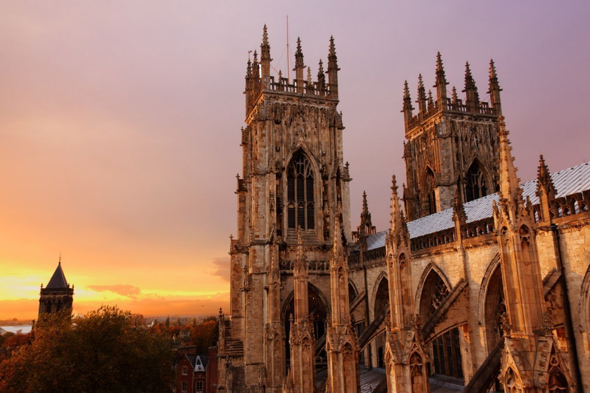 York-minster-in-the-evening